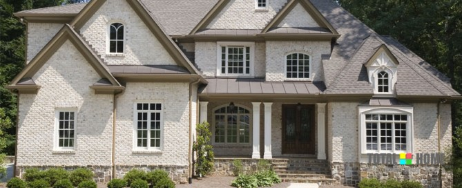 Hire a Contractor to Install Windows and Doors Toronto Properly